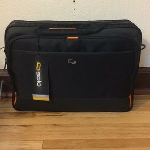 """Solo computer bag that fits up to 17.3"""" computer"""